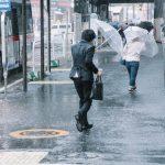 台風後の通勤ラッシュ
